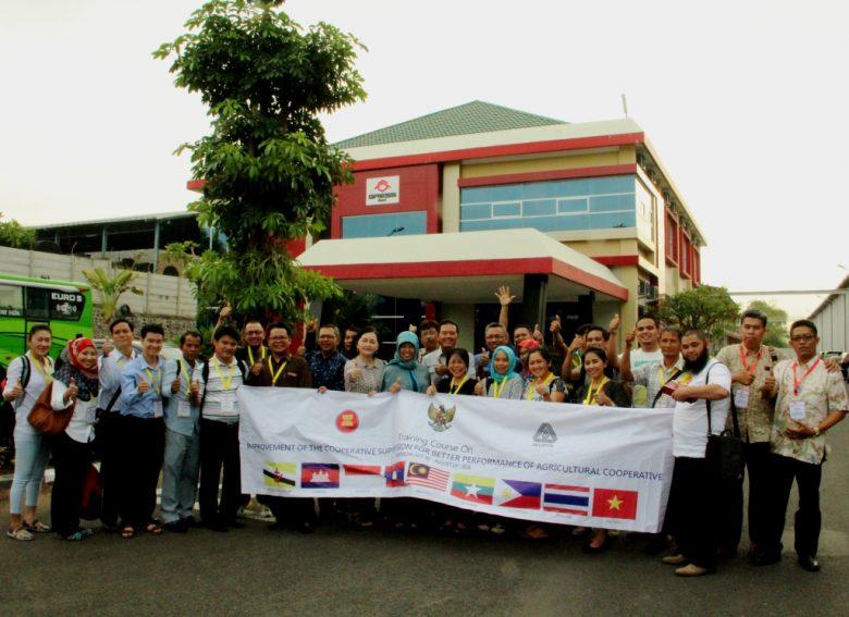 PERWAKILAN KOPERASI 9 NEGARA ASEAN KUNJUNGI KWSG